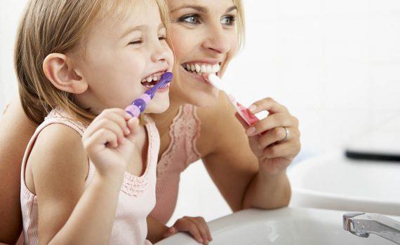Cómo mantener tus dientes limpios tras el blanqueamiento dental