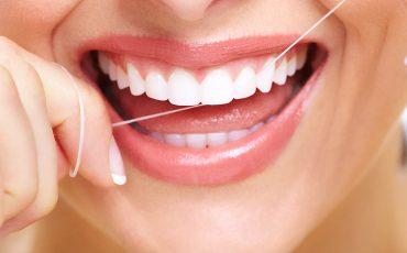 En nuestra clínica dental Castellón te enseñamos a usar el hilo dental